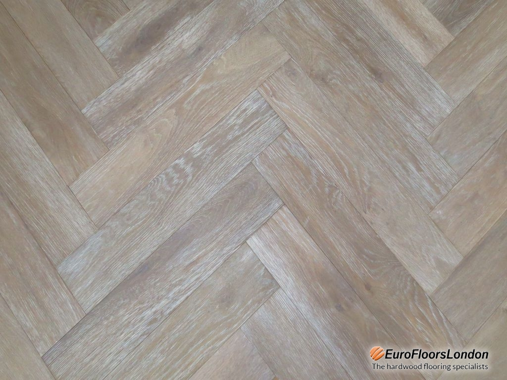 Engineered Oak Herringbone, Mix Grade, Smoked Brushed & White Oiled – 18/4x90x600