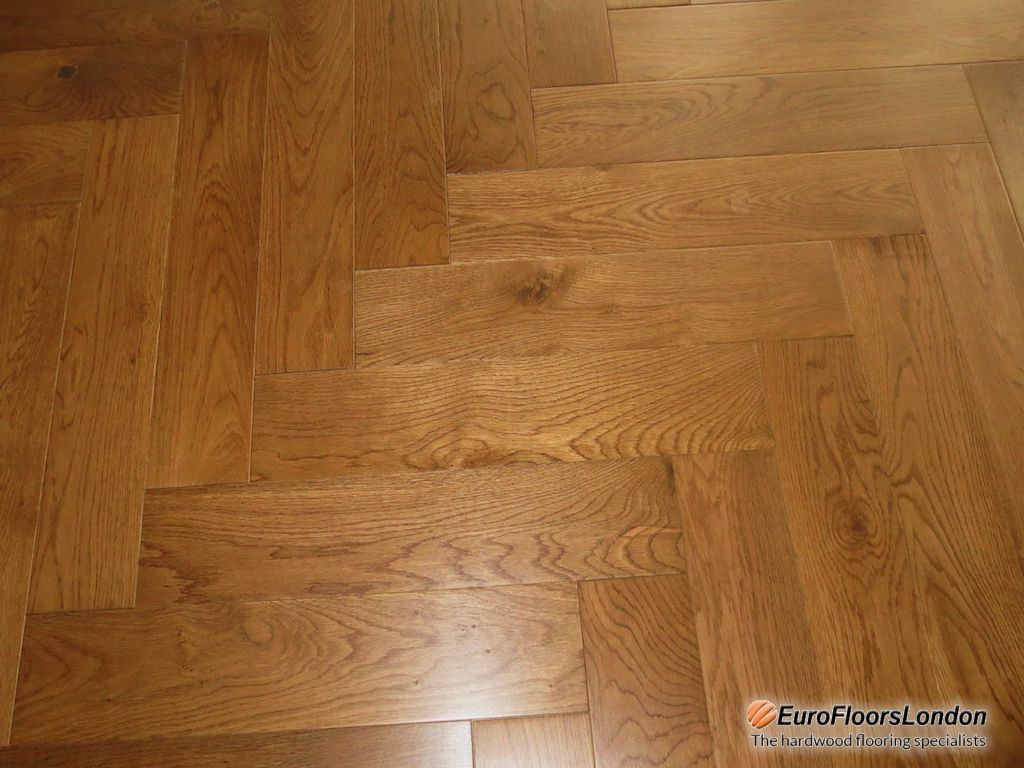 Engineered Oak Herringbone, Natural Grade, Double Smoked  & UV  Oiled – 18/4x120x600